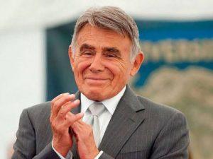 MURIÓHÉCTOR SUÁREZ.